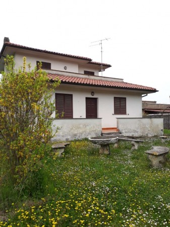 Villa in vendita a Vetralla, Con giardino, 115 mq