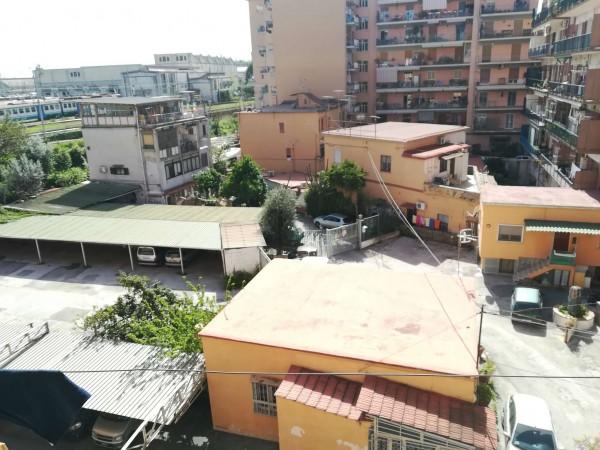 Appartamento in vendita a Napoli, 80 mq