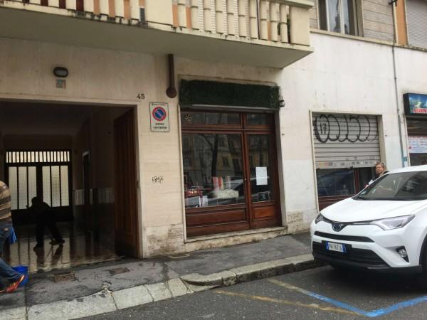 Negozio in vendita a Torino, 30 mq