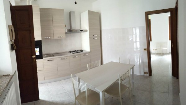 Appartamento in affitto a Muggiò, Centro, Arredato, 45 mq