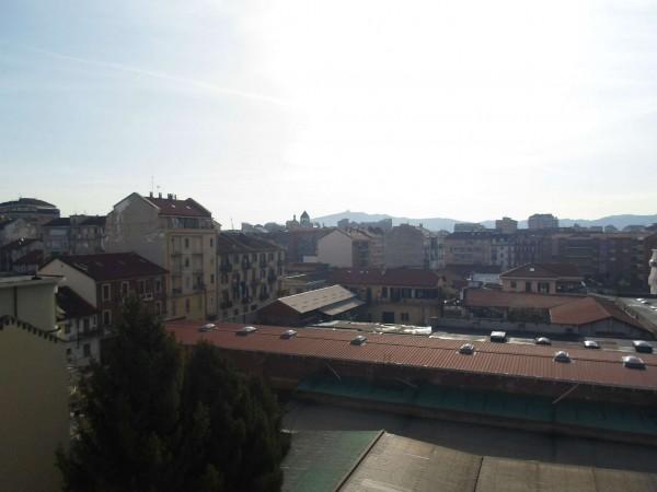 Appartamento in vendita a Torino, San Donato, 69 mq