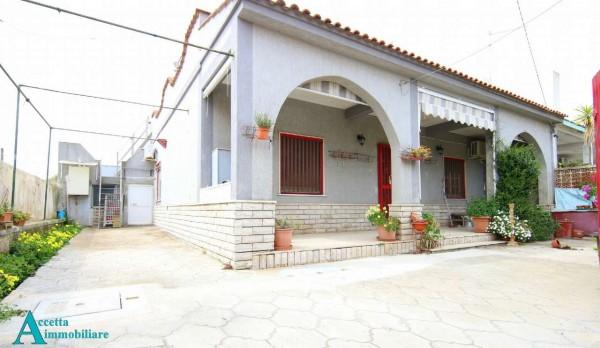 Villa in vendita a Taranto, Residenziale, Con giardino, 78 mq