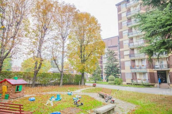 Appartamento in vendita a Milano, Affori, Con giardino, 55 mq