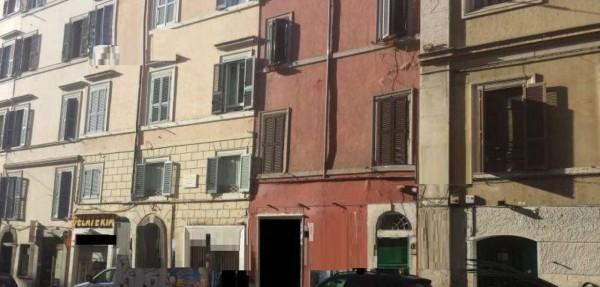 Locale Commerciale  in vendita a Roma, 55 mq