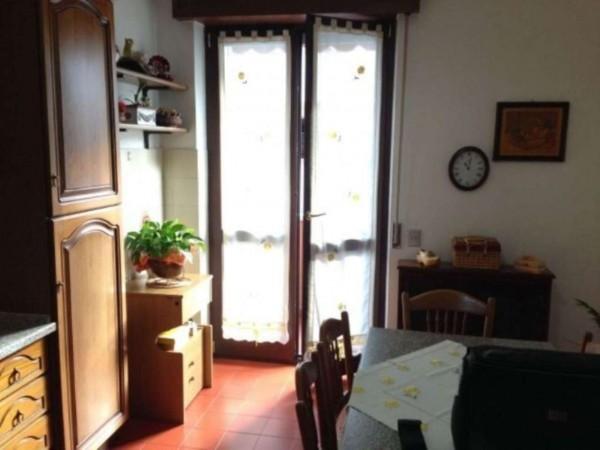 Appartamento in vendita a Gallarate, Arredato, con giardino, 102 mq