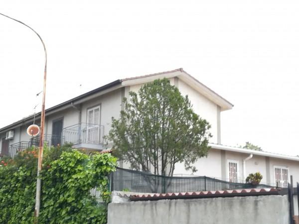 Villetta a schiera in vendita a Mascalucia, C, Con giardino, 80 mq