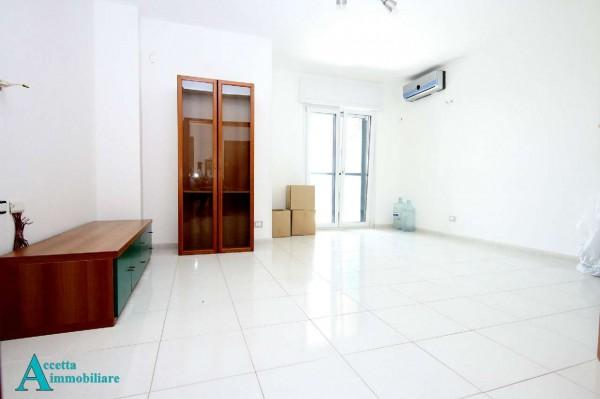 Appartamento in vendita a Taranto, Residenziale, 112 mq
