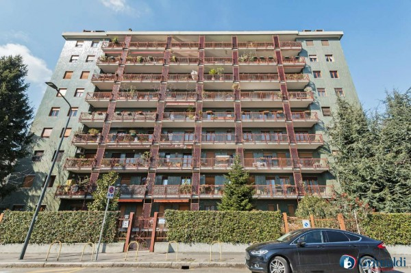 Immobile in vendita a Milano, Con giardino