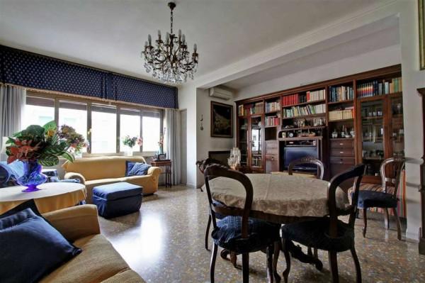 Appartamento in vendita a Roma, Africano, 130 mq