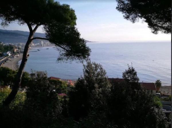 Appartamento in vendita a Sanremo, 70 mq