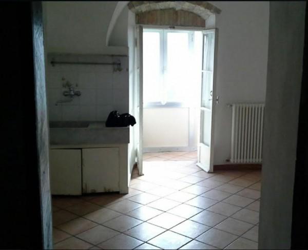 Appartamento in vendita a Imperia, 62 mq