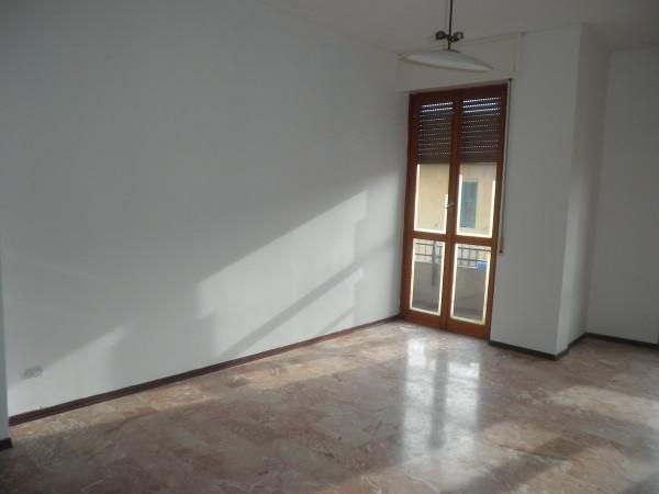 Appartamento in vendita a Imperia, 95 mq