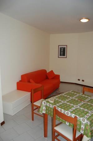 Appartamento in vendita a Imperia, 40 mq