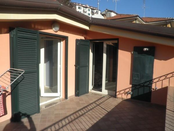 Appartamento in vendita a Imperia, 75 mq