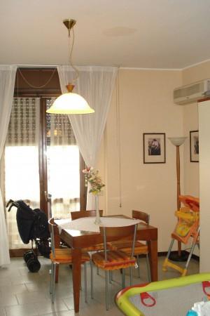 Appartamento in vendita a Garbagnate Milanese, Arredato, con giardino, 65 mq