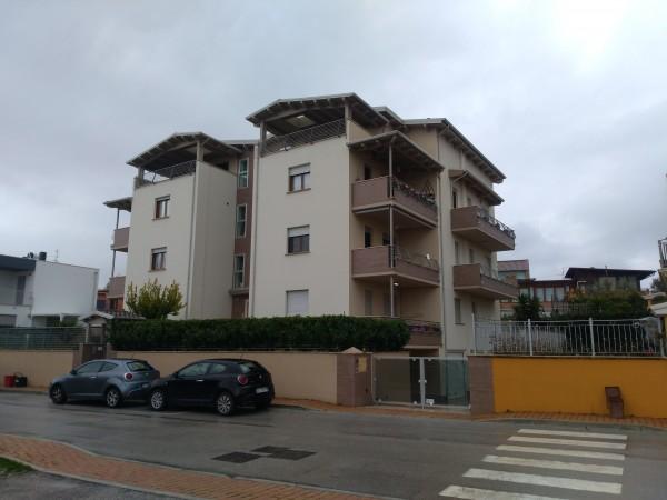 Appartamento in vendita a Rosciano, Villa Oliveti, 100 mq