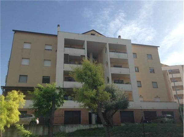 Appartamento in vendita a Chieti, Levante, 90 mq