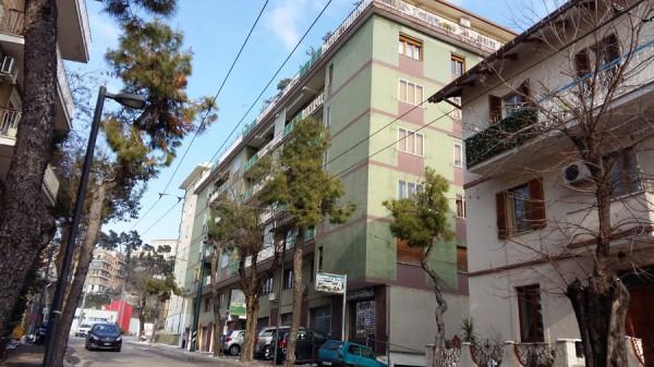 Appartamento in vendita a Chieti, Terminal, 100 mq