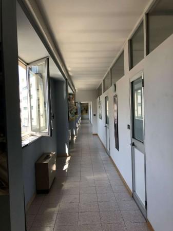 Ufficio in affitto a Rivoli, 200 mq