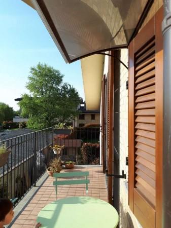 Appartamento in vendita a Caronno Pertusella, 85 mq