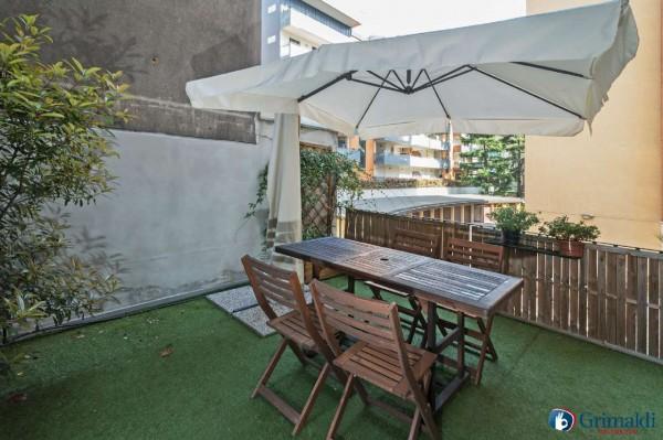 Appartamento in vendita a Milano, Con giardino, 73 mq