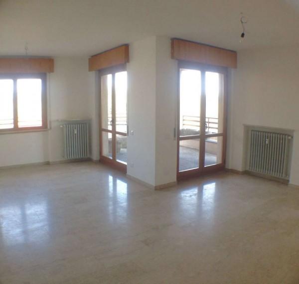 Appartamento in affitto a Jerago con Orago, Con giardino, 100 mq - Foto 31