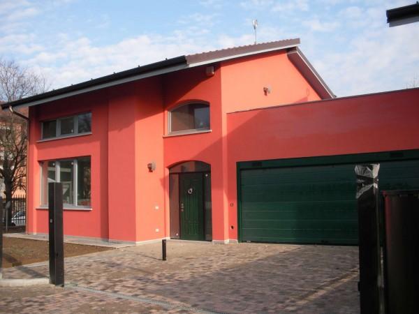 Villetta a schiera in affitto a Cusago, Con giardino, 360 mq