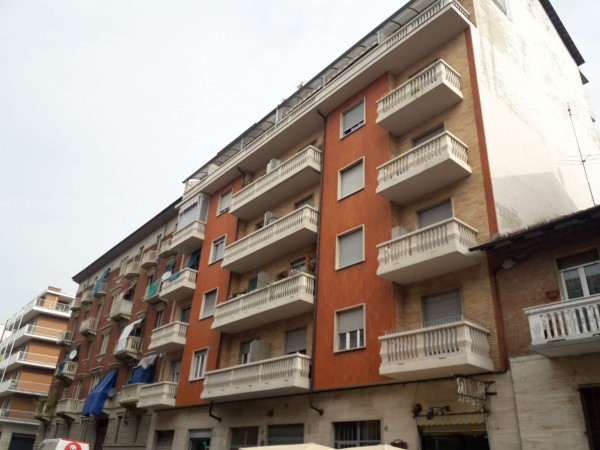 Appartamento in vendita a Torino, Barriera Di Milano, 40 mq