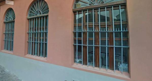 Locale Commerciale  in affitto a Rivoli, Centro, 70 mq