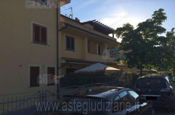Casa indipendente in vendita a Agliana, Con giardino, 184 mq