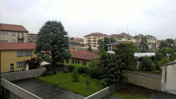 Appartamento in affitto a Magenta, Centro, Con giardino, 150 mq