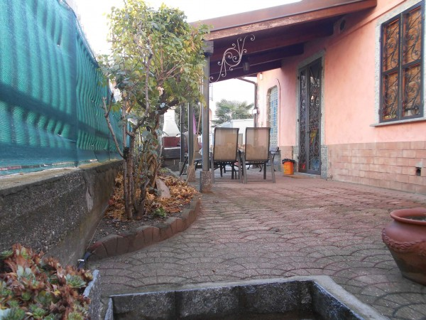 Casa indipendente in vendita a Collegno, Leumann, Con giardino, 72 mq