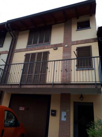 Casa indipendente in vendita a Cesate, 150 mq