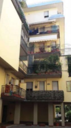Appartamento in vendita a Prato, Con giardino, 132 mq