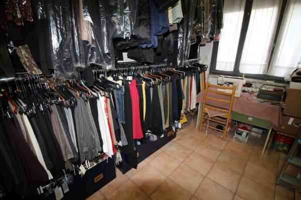Locale Commerciale  in vendita a Alpignano, Centro, Arredato, 40 mq - Foto 4