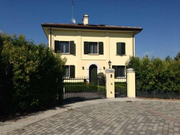 Villa in vendita a Granarolo dell'Emilia, Quarto, Arredato, con giardino, 300 mq