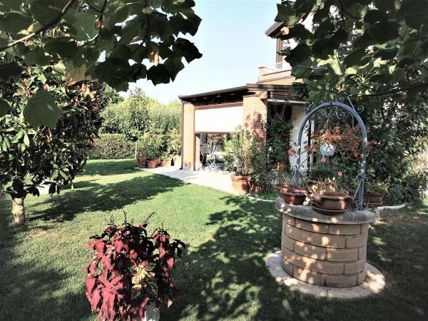 Villa in vendita a San Giovanni in Persiceto, Ad. Ze Centro, Arredato, con giardino, 180 mq