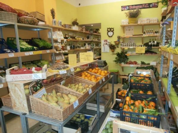 Locale Commerciale  in vendita a San Giovanni in Persiceto, Centro, Arredato, 25 mq