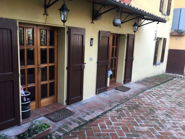 Casa indipendente in vendita a San Giovanni in Persiceto, Centro, Con giardino, 185 mq