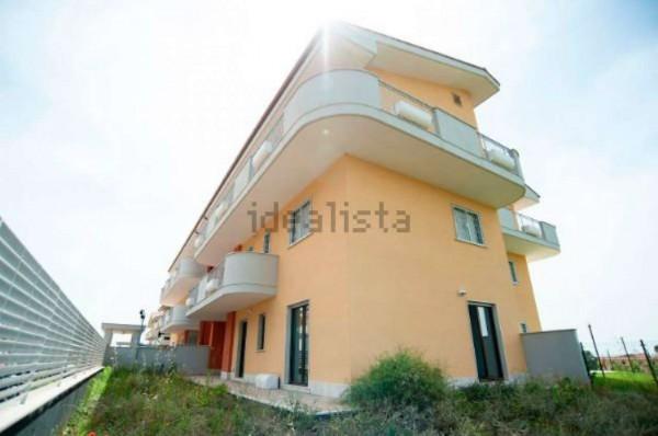 Appartamento in vendita a Roma, Colle Oliva, Con giardino, 88 mq
