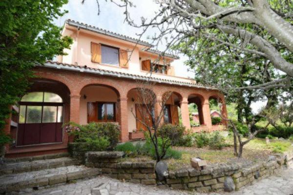 Villa in vendita a Trevignano Romano, Con giardino, 251 mq