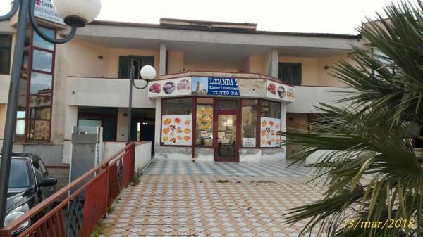 Locale Commerciale  in vendita a Castelnuovo Cilento, Velina, 150 mq