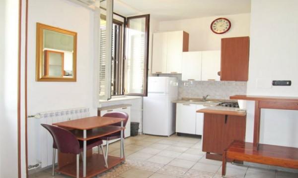 Appartamento in affitto a Milano, Repubblica, Arredato, con giardino, 35 mq