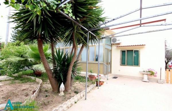 Villa in vendita a Taranto, Residenziale, Con giardino, 110 mq