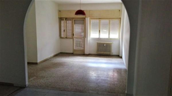 Appartamento in vendita a Alessandria, Centro, 100 mq