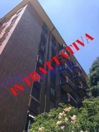 Appartamento in vendita a Milano, Giambellino, Con giardino, 75 mq