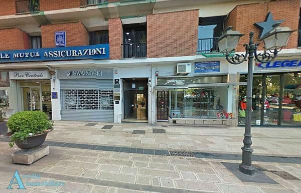 Appartamento in affitto a Taranto, Centralissina, 45 mq