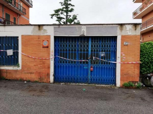 Locale Commerciale  in vendita a Roma, Aurelia, 200 mq