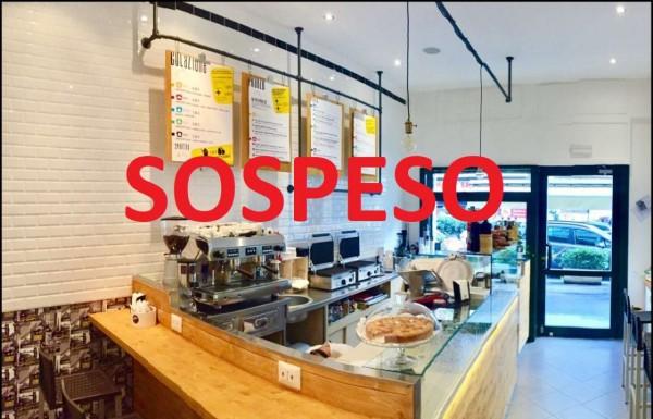 Locale Commerciale  in vendita a Milano, 30 mq