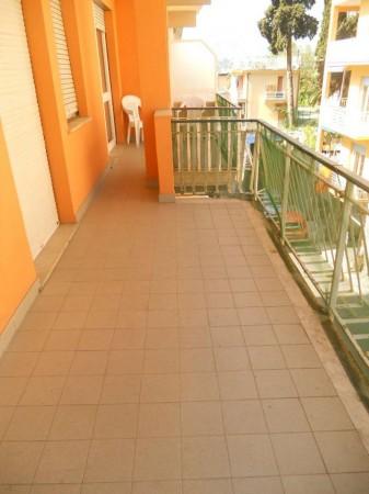 Appartamento in vendita a Rapallo, San Rocco, 60 mq